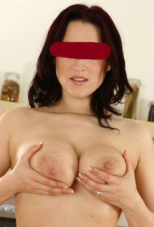 seznamka ona hleda jeho nahy maser
